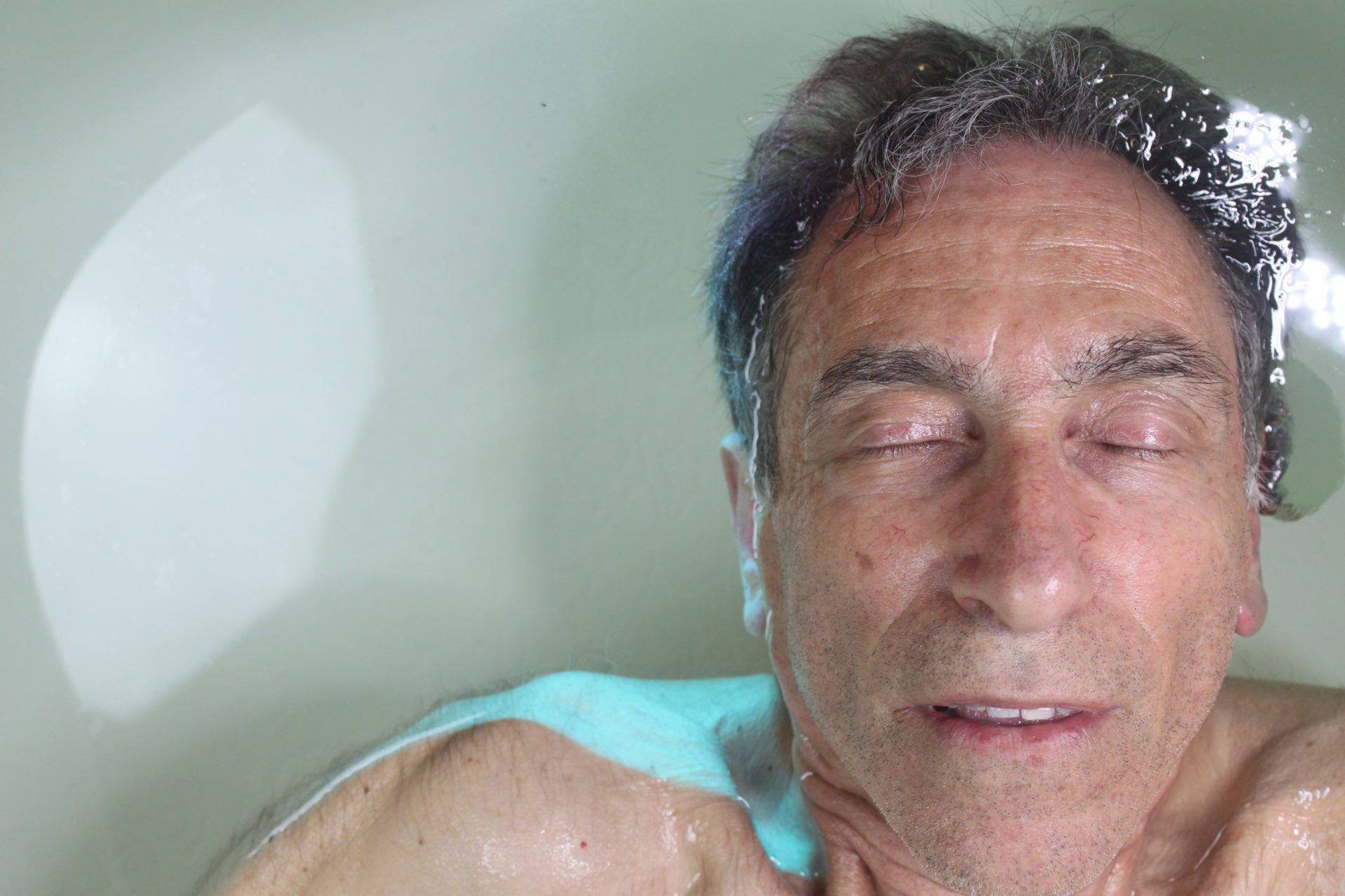 The 7 Benefits of Floating for People Over 60